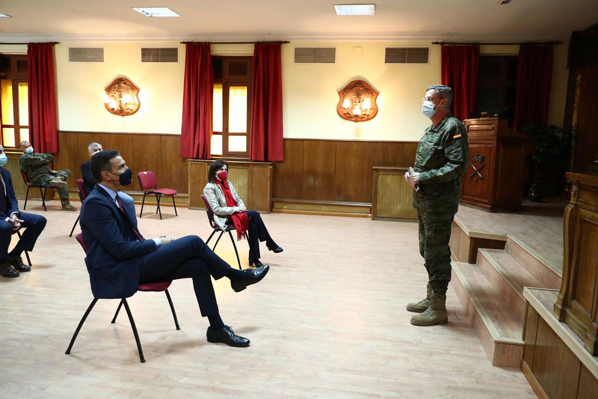 Pedro Sánchez visita la Unidad de Vigilancia Epidemiológica